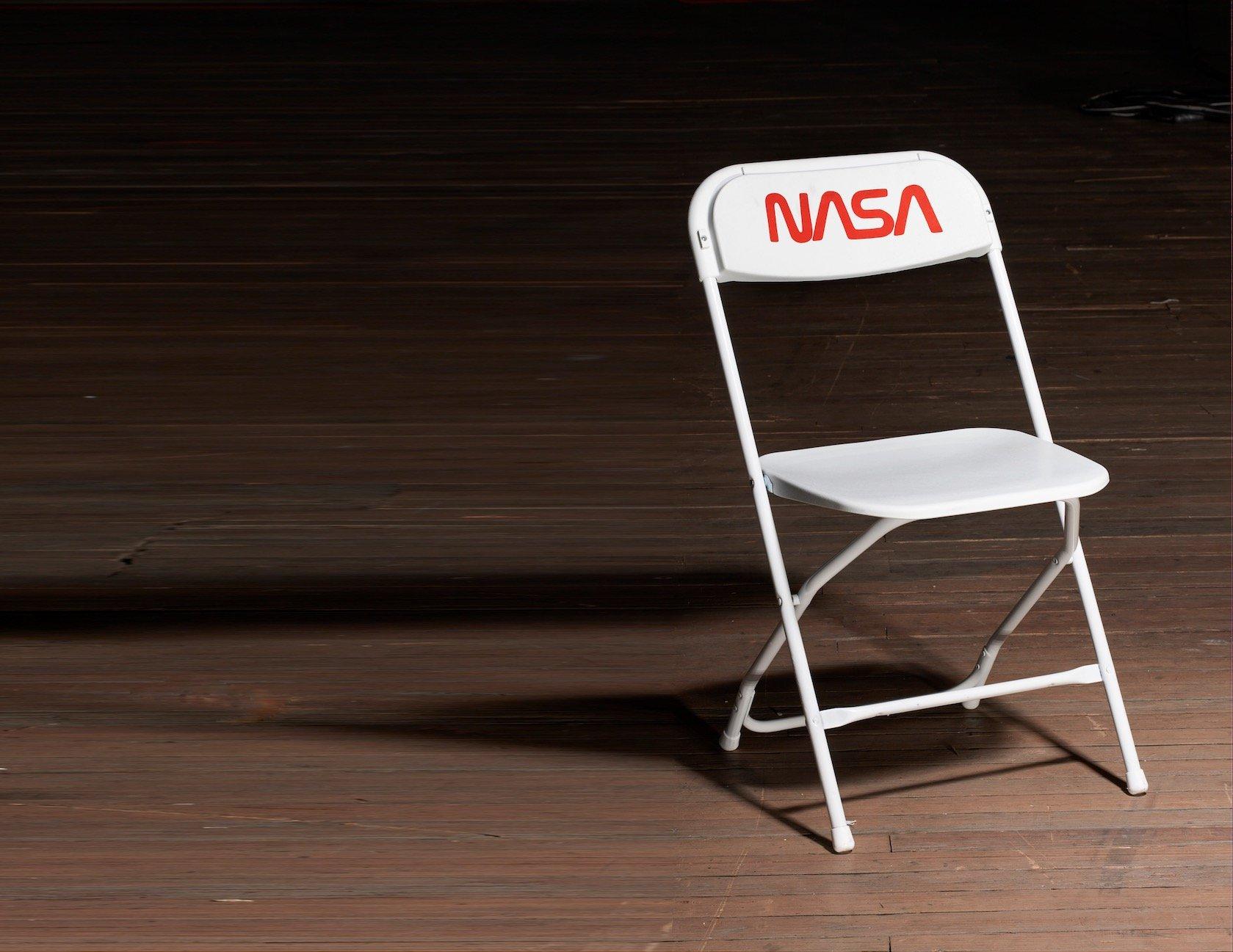 トム・サックス NASA 椅子