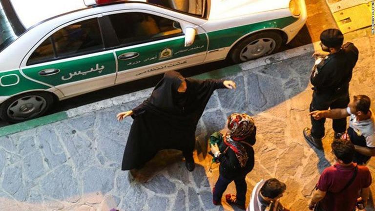 イラン 宗教警察